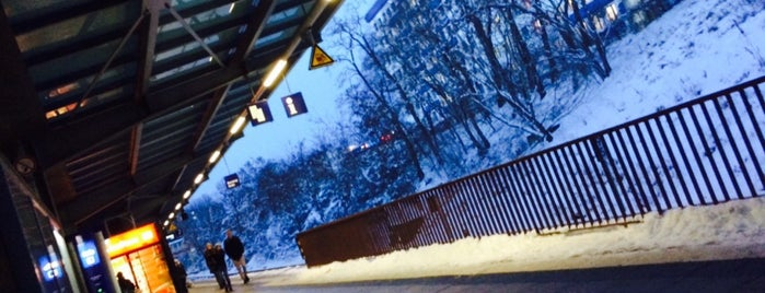S Landsberger Allee is one of U & S Bahnen Berlin by. RayJay.