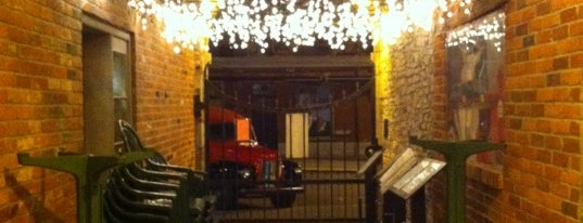 Kingston Brew Pub is one of José'ın Kaydettiği Mekanlar.