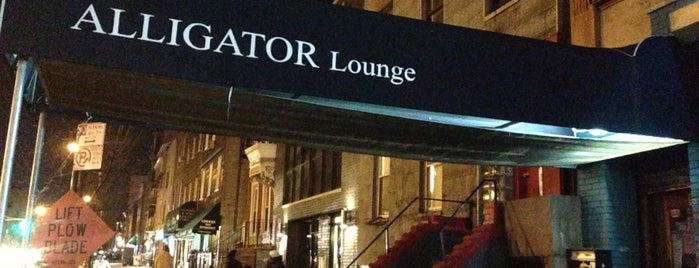 Alligator Lounge is one of NYC Bars with Games.