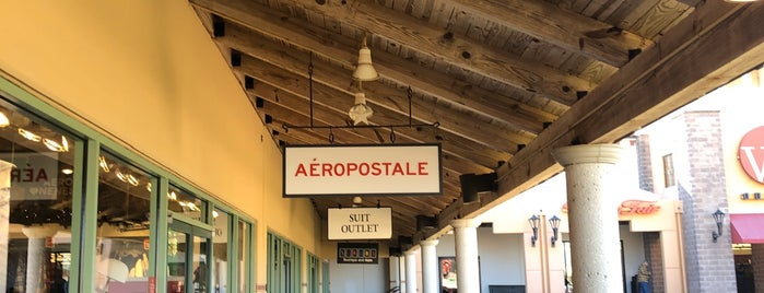 Aéropostale is one of Lugares favoritos de Angeles.