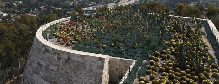 J. Paul Getty Museum is one of Califórnia.