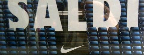 Nike Store is one of Posti che sono piaciuti a Michal.
