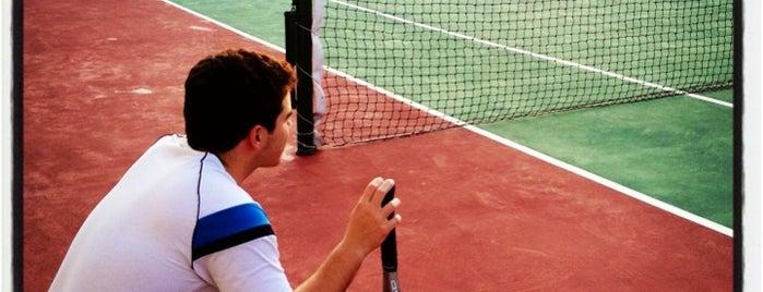 Edifício Roland Garros is one of Locais curtidos por Cledson #timbetalab SDV.