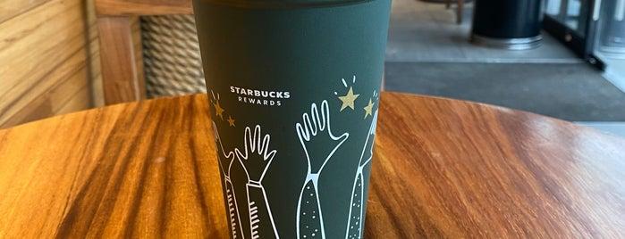 Starbucks is one of Lugares guardados de Zuno.