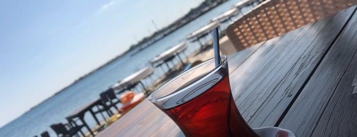Liman Cafe is one of Perihan'ın Beğendiği Mekanlar.