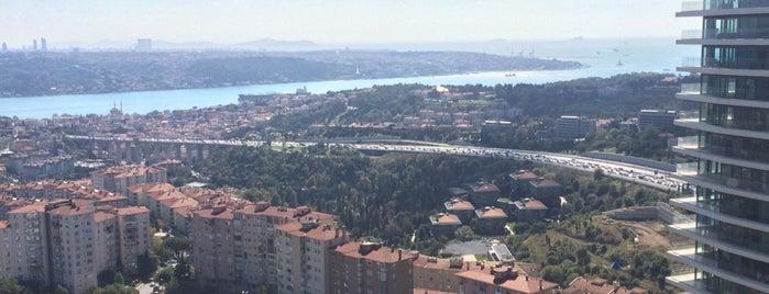 Raffles Istanbul Zorlu Center is one of Posti che sono piaciuti a Emir.