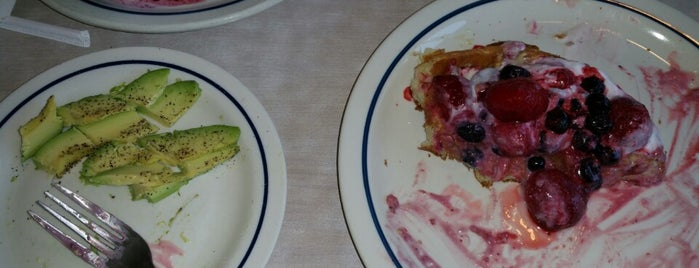 IHOP is one of Locais curtidos por Fly Lady Dii.