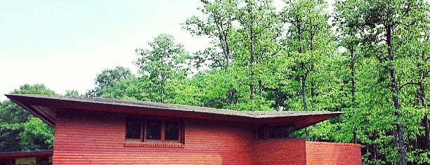 Frank Lloyd Wright House in Ebsworth Park is one of St. Louis.