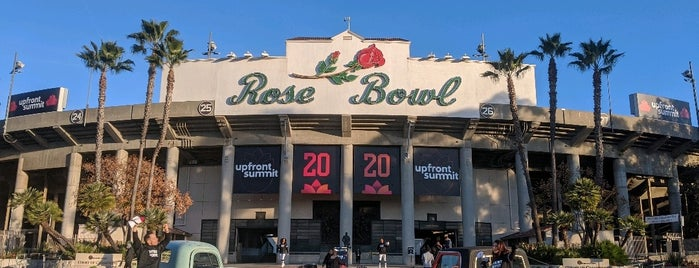 Rose Bowl Plaza is one of Lugares favoritos de Christopher.