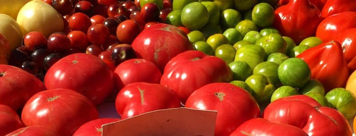 Fort Greene Food Market is one of Tempat yang Disukai Jason.