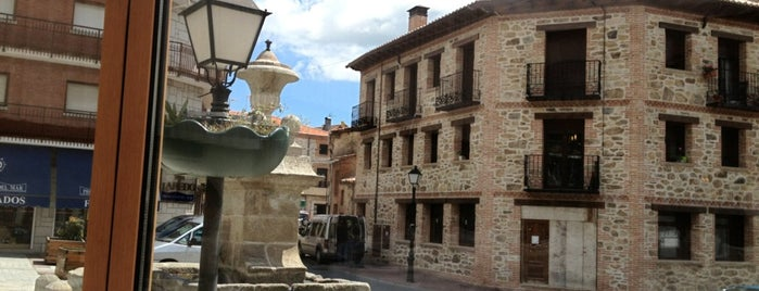 Miraflores de la Sierra is one of สถานที่ที่ Miguel ถูกใจ.