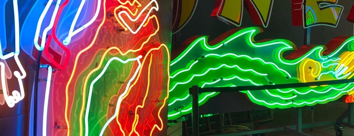 Museum of Neon Art is one of LA Outings.