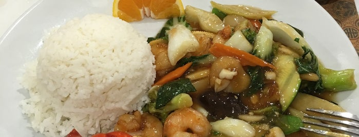 Chef Choy is one of สถานที่ที่ Vu ถูกใจ.