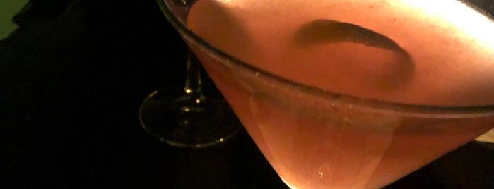Hudson Bar at Hudson NYC is one of Lugares favoritos de Allison.