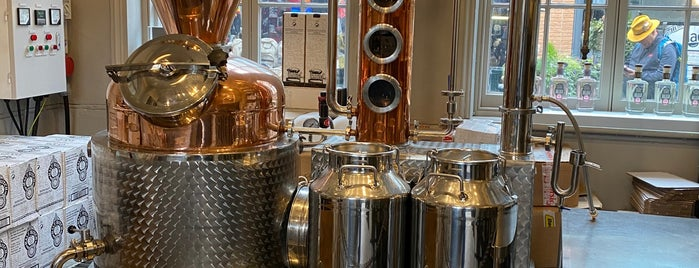 Half Hitch Gin Microdistillery is one of London.