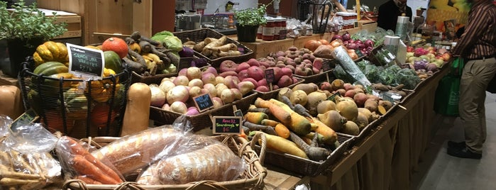 Boston Public Market is one of #BeRevered: Best of the North End.