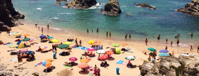 Praia da Samoqueira is one of Do best.