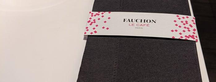 FAUCHON Le Cafe is one of Lieux qui ont plu à Tomo.
