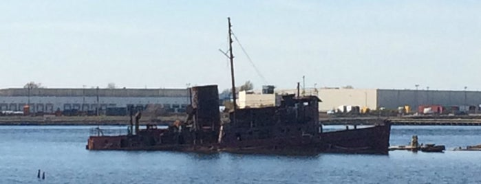 Staten Island Tugboat Graveyard is one of Lieux sauvegardés par Colleen.