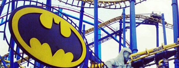 Batman The Ride is one of Orte, die Rodrigo gefallen.