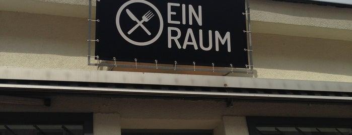 Ein Raum is one of Vienna Calling.