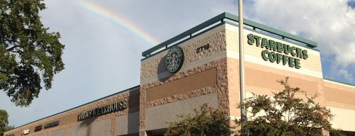 Starbucks is one of Bradley 님이 좋아한 장소.