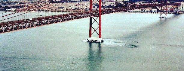 Ponte 25 de Abril is one of Lissabon🇵🇹.