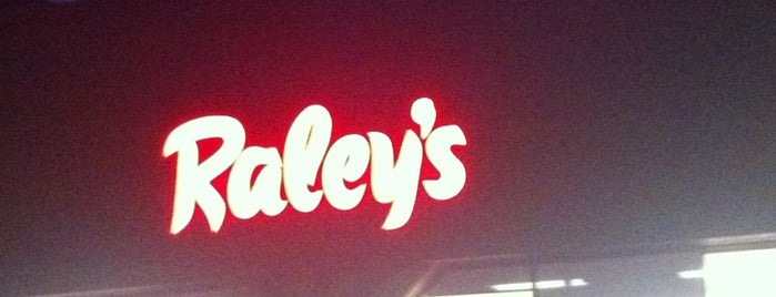 Raley's is one of Incline Villiage.
