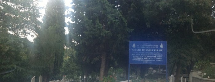 Yeniköy Mezarlığı is one of yeu'nun Kaydettiği Mekanlar.