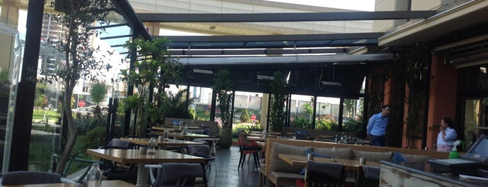 Bistro 33 is one of Best Restaurants Of West Atasehir.
