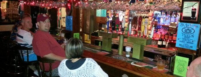 St. Andrews Tavern is one of Locais salvos de barbee.