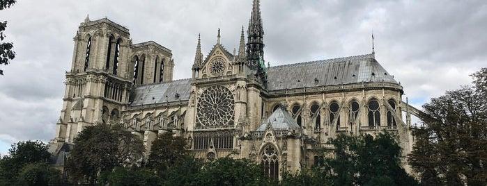 Centre de Santé Saint-Michel is one of Julia'nın Beğendiği Mekanlar.