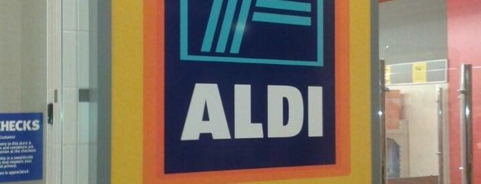 ALDI is one of Lugares favoritos de Kris.