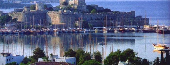Bodrum is one of Orte, die Mehmet gefallen.