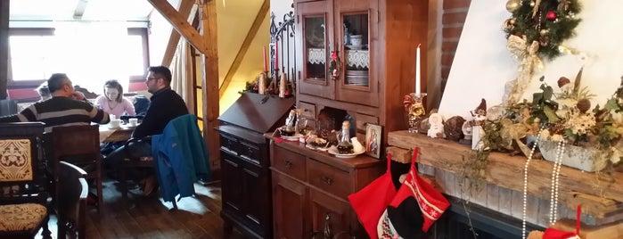 Casa Cositorarului is one of Posti che sono piaciuti a Alex.