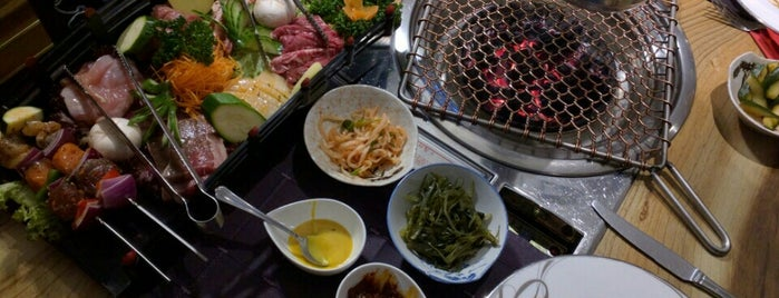 BBQ Restaurant Gangnam is one of Luxembourgさんのお気に入りスポット.