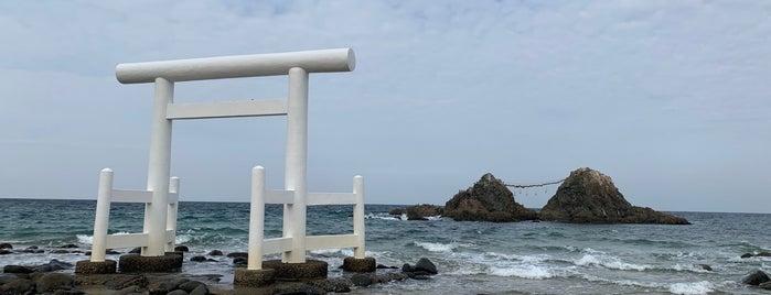 二見ヶ浦夫婦岩の鳥居 is one of Fukuoka.