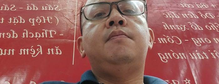 Xôi chè Bà Thìn is one of Hanoi.