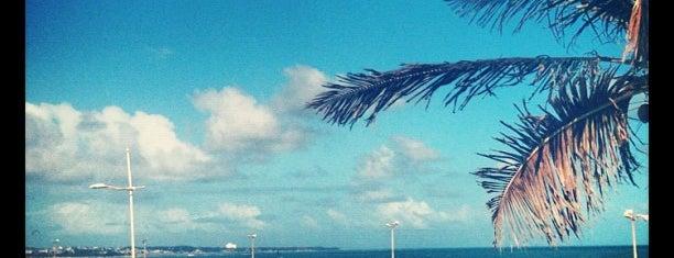 Praia de Patamares is one of Lieux sauvegardés par LeooL2j.