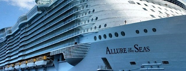 Allure Of The Seas is one of Alejandroさんのお気に入りスポット.