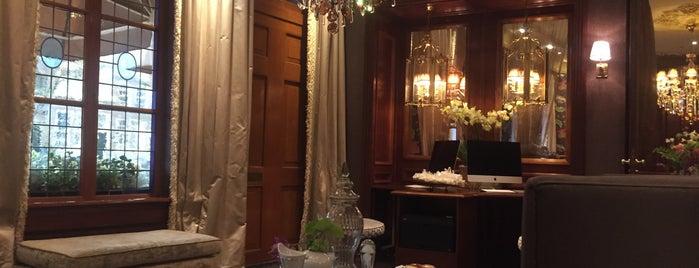 Hotel Estherea is one of Irina 님이 좋아한 장소.
