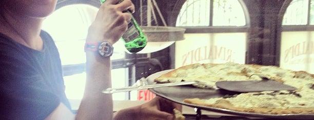 Grimaldi's Pizzeria is one of New York.