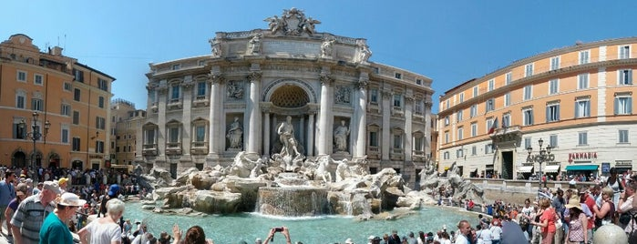 Fontaine de Trevi is one of Lieux qui ont plu à Brandon.
