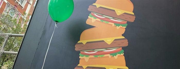 Wahlburgers is one of Rachel : понравившиеся места.