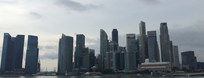 Marina Bay Downtown Area (MBDA) is one of Lieux qui ont plu à Johns.