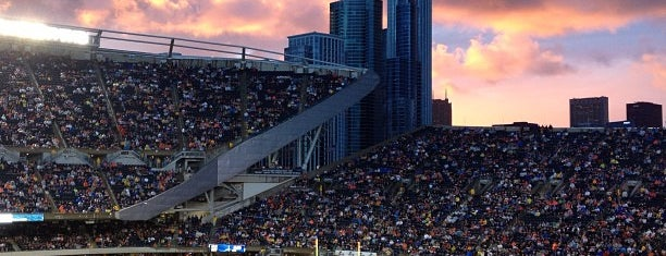 Soldier Field is one of jogos.
