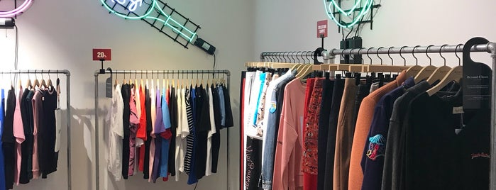 Beyond Closet is one of Seoul.