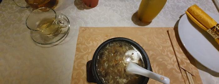 Silkroad Chinese Restaurant is one of สถานที่ที่บันทึกไว้ของ Ника.