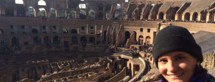 Coliseo is one of Lugares favoritos de Monica.
