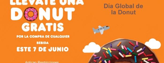 Dunkin´ Donuts is one of Orte, die Monica gefallen.